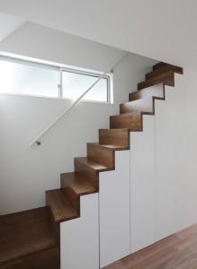 リビングからロフトへの階段